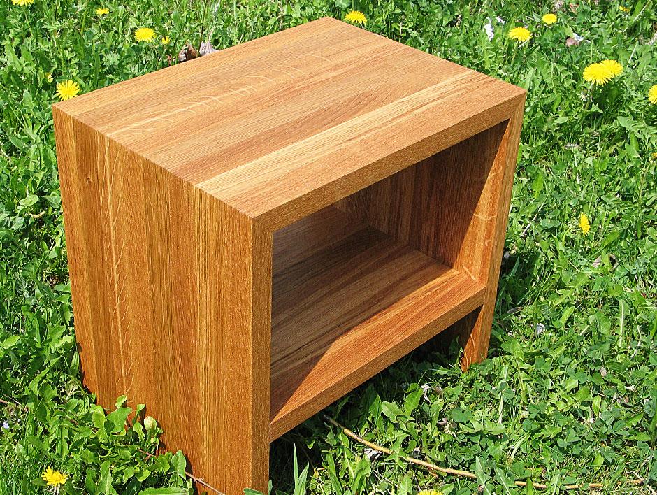 beistell und nachttischchen in eiche m belmanufaktur henschel. Black Bedroom Furniture Sets. Home Design Ideas