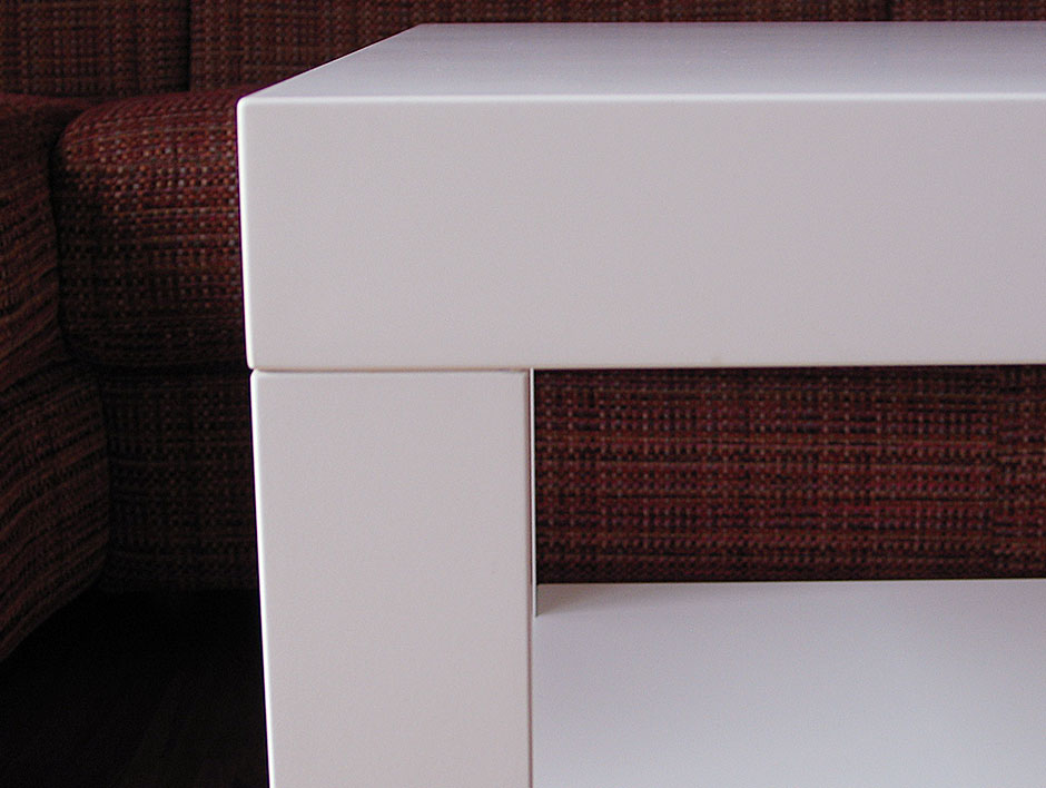 Couchtisch in MDF weiß  Möbelmanufaktur Henschel