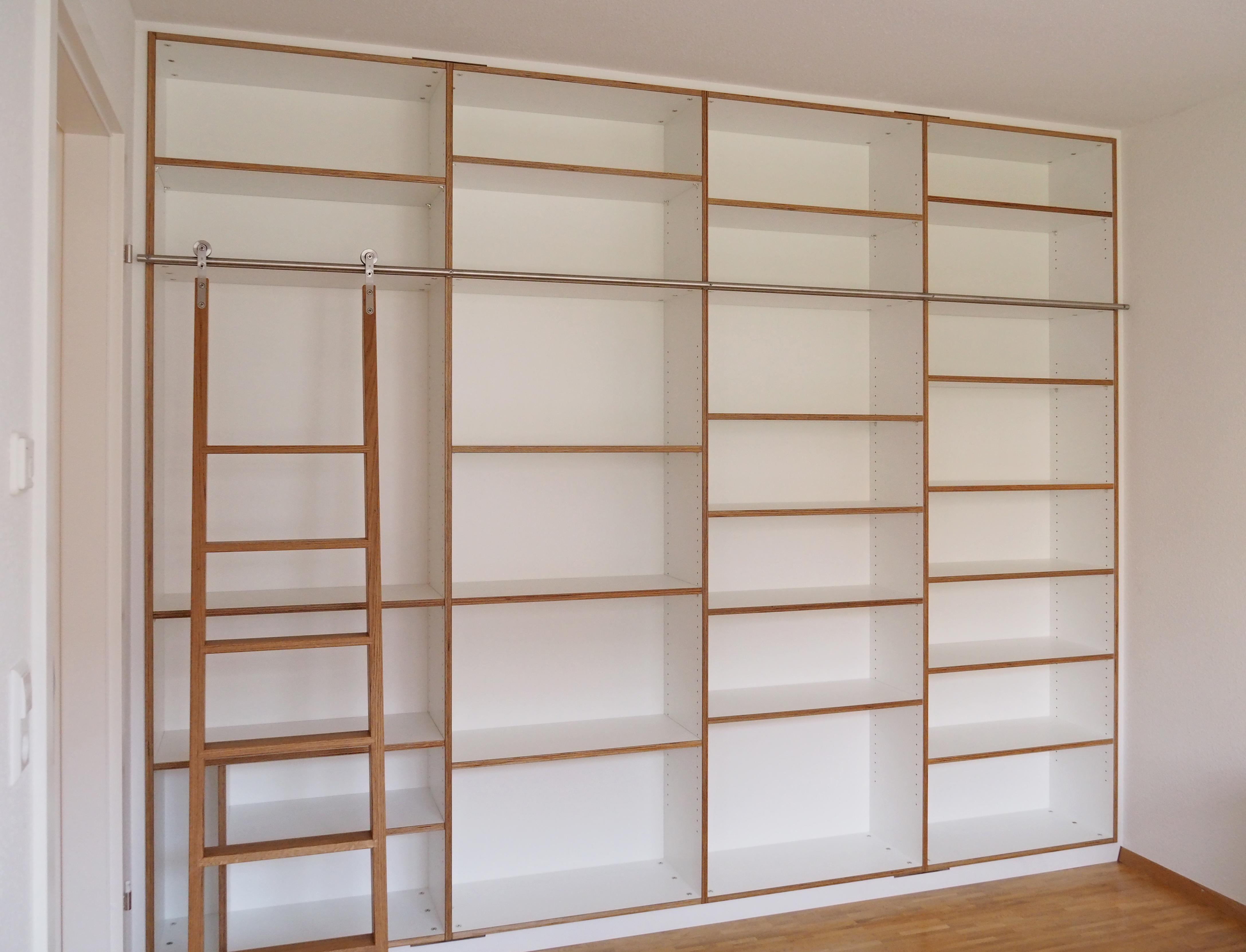 Bücherwand mit Schiebeleiter Eiche Multiplex weiß 02