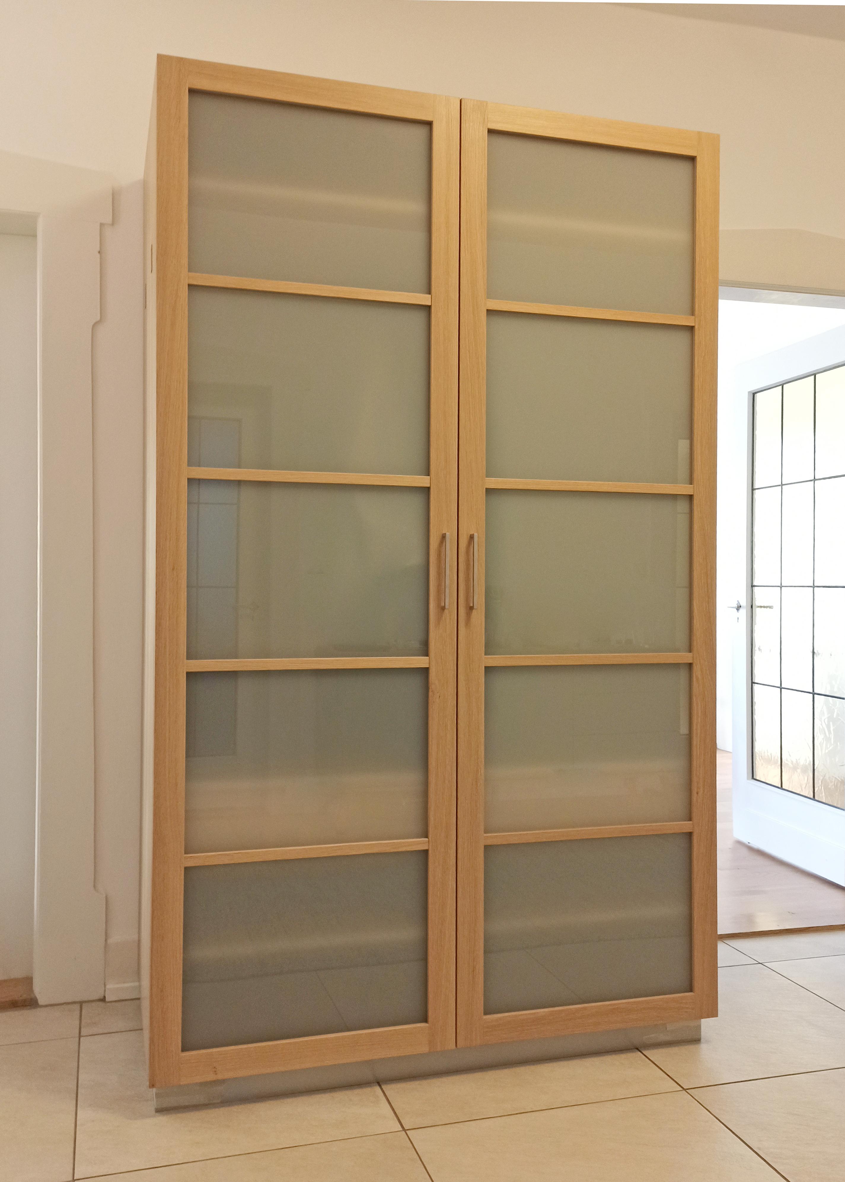 Garderobenschrank in Eiche und Glas 02