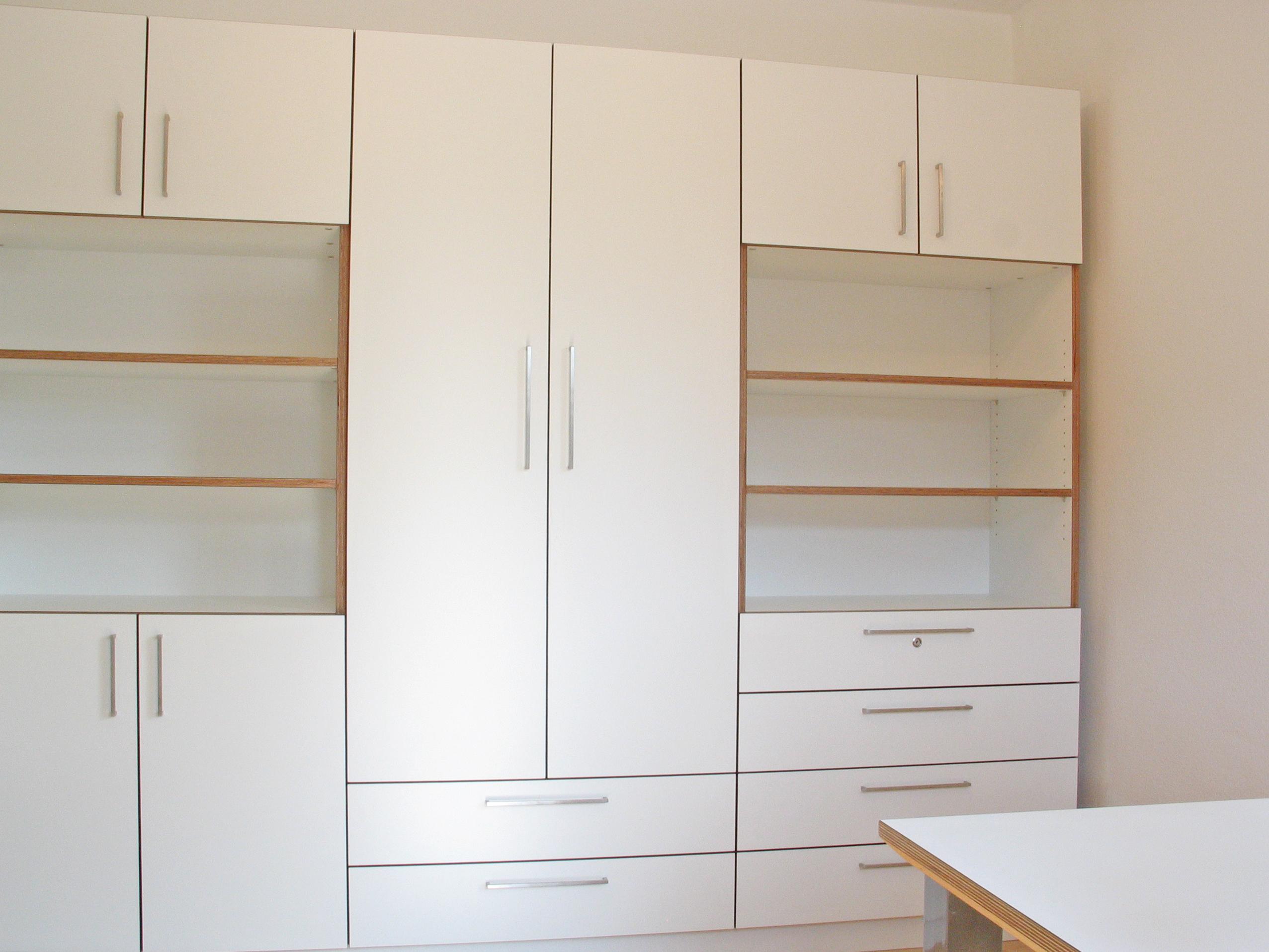 Jugendzimmer in Multiplex weiß