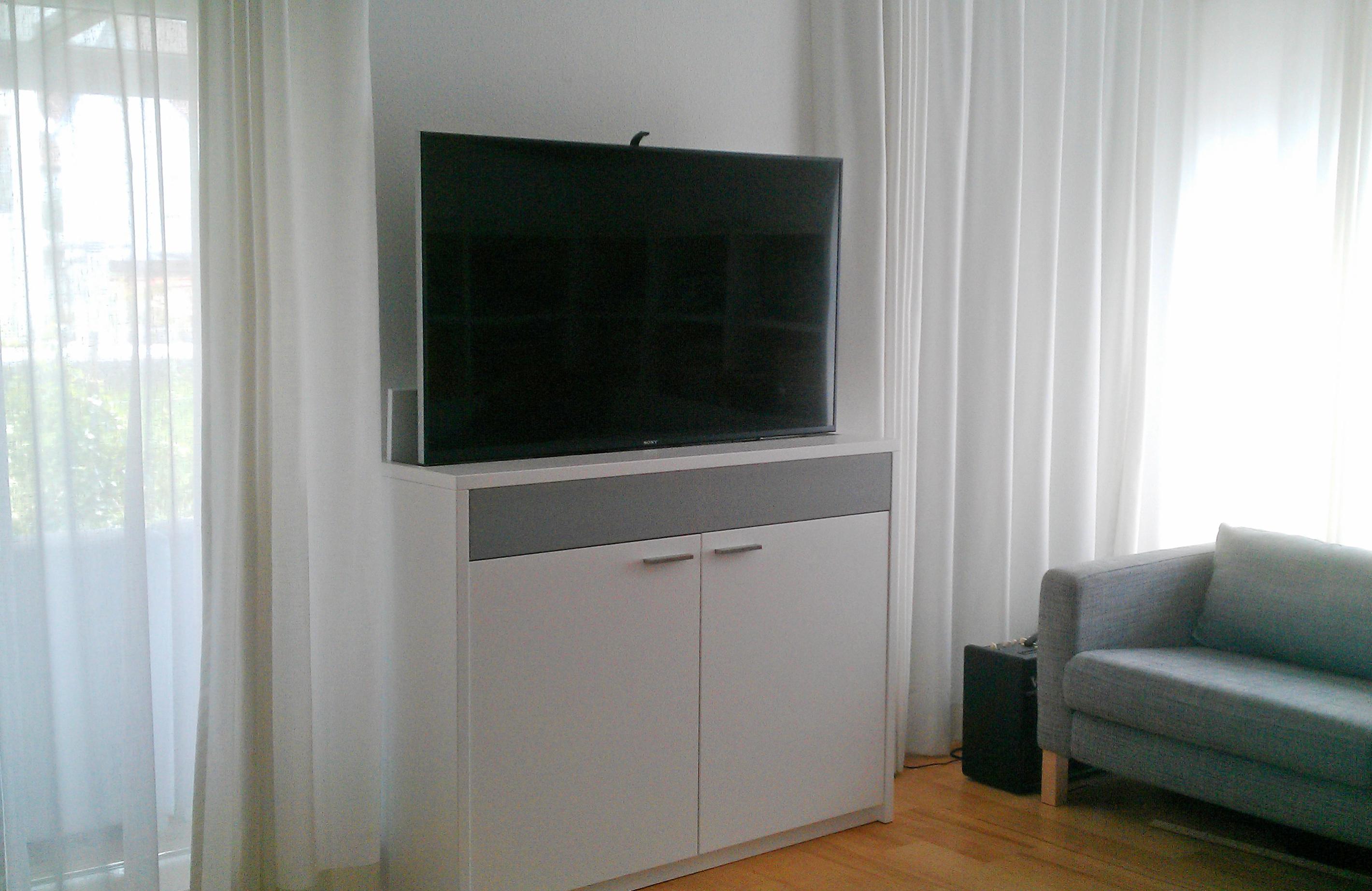 TV Möbel offen motorgesteuert per Fernbedienung