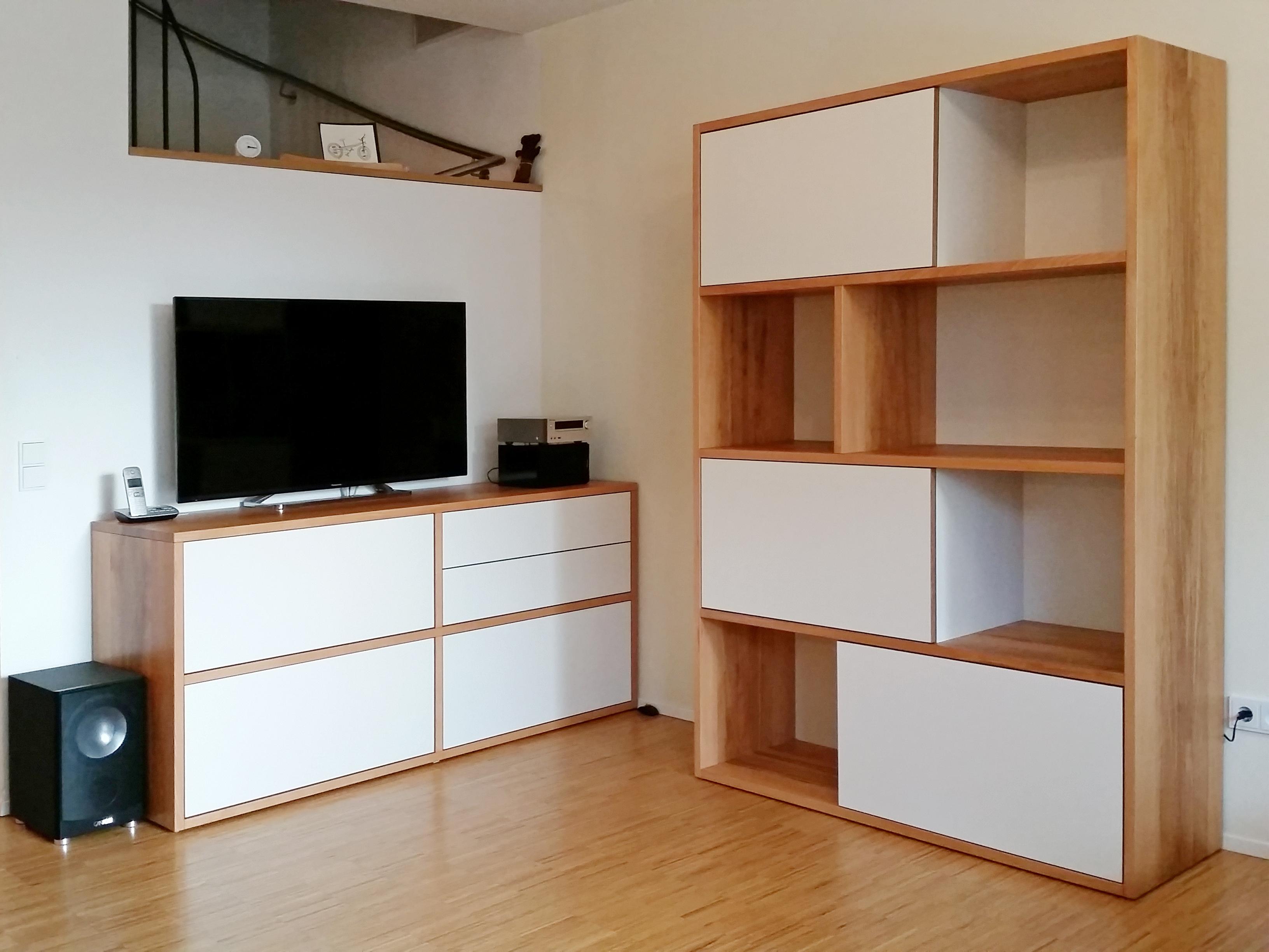 Wohnzimmer Medienmöbel in Kernbuche Multiplex weiß