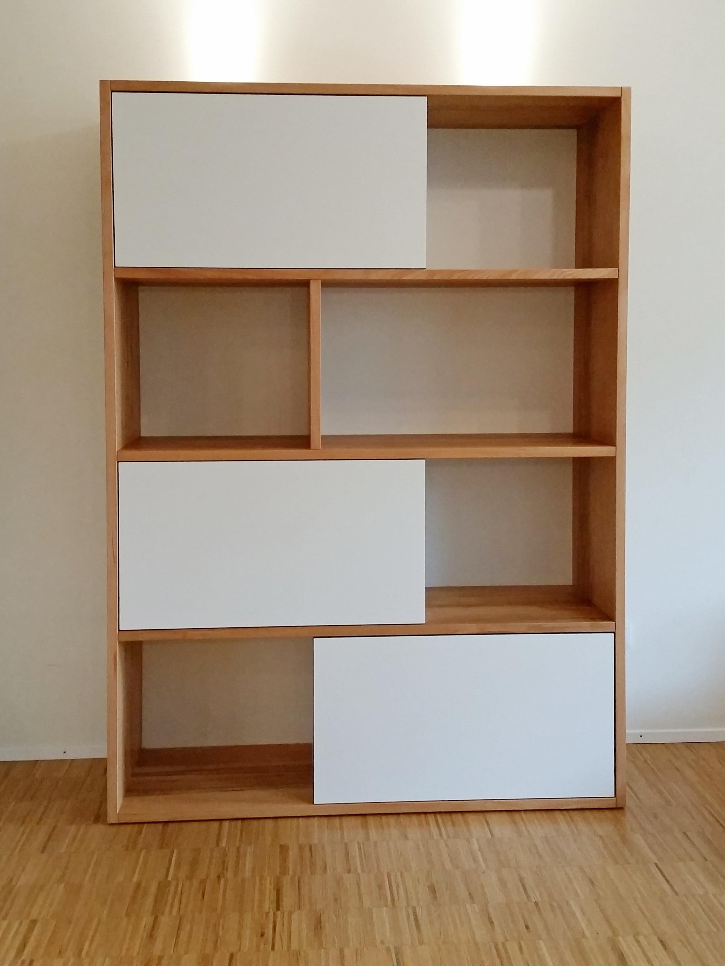 Wohnzimmer Regal in Kernbuche Multiplex weiß