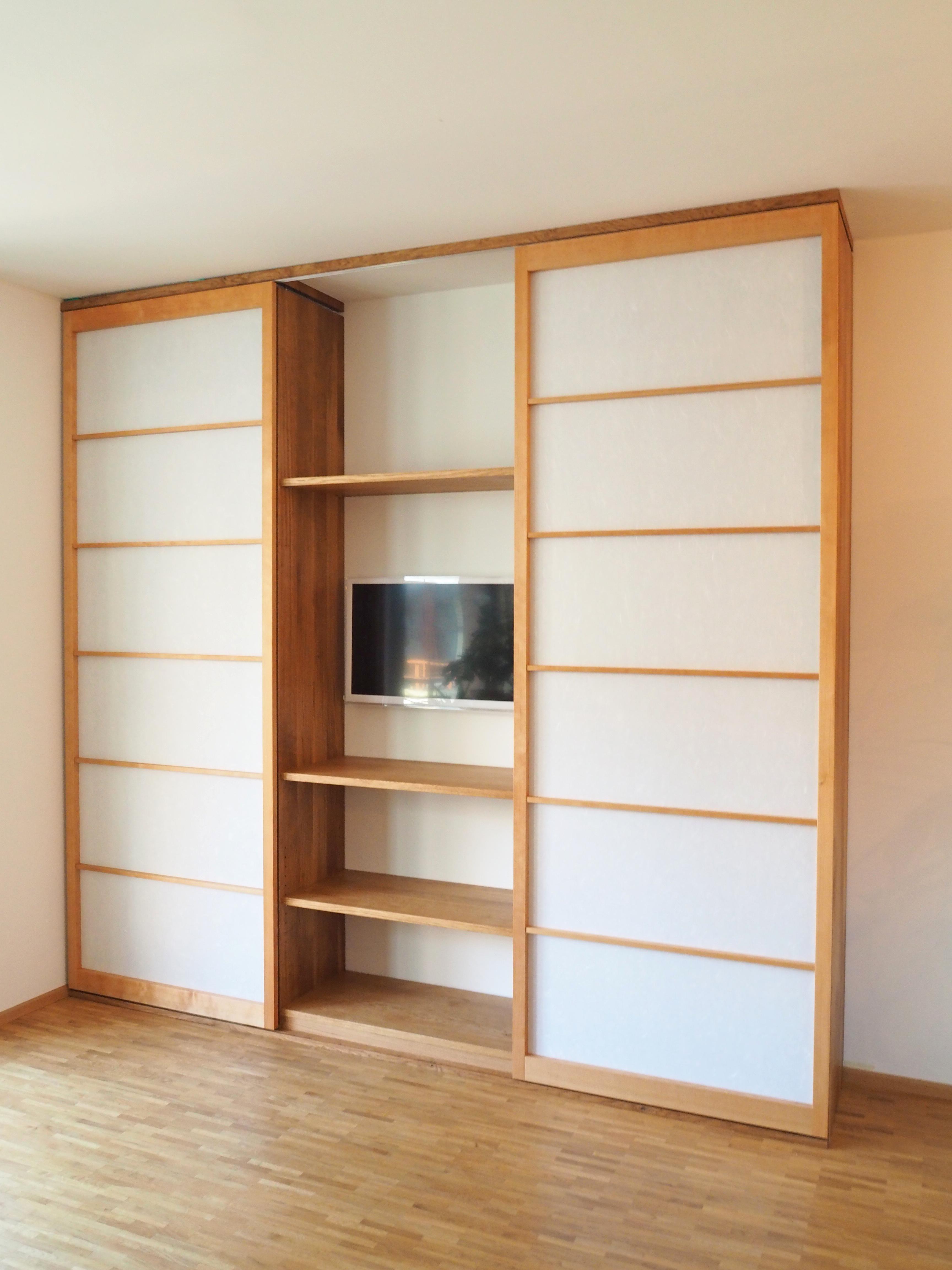 Wohnzimmerregal in Eiche mit Shoji Schiebtüren 02