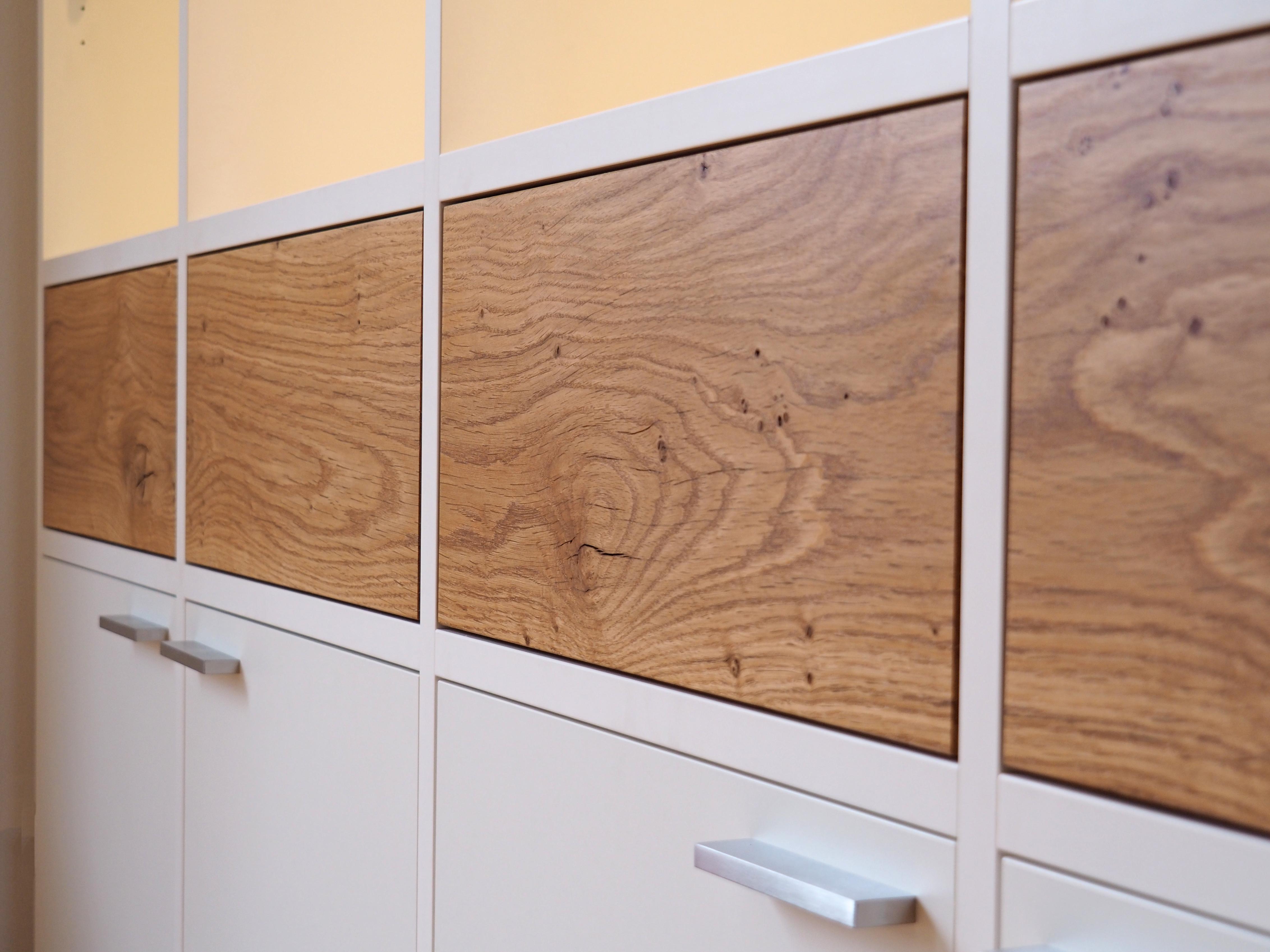 Wohnzimmerschrank Detail Massivholz Eiche durchlaufend
